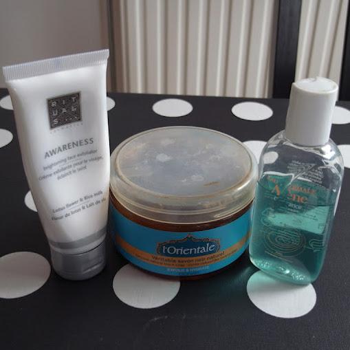higiene cosmética lavar cara avene jabón negro rituals awareness