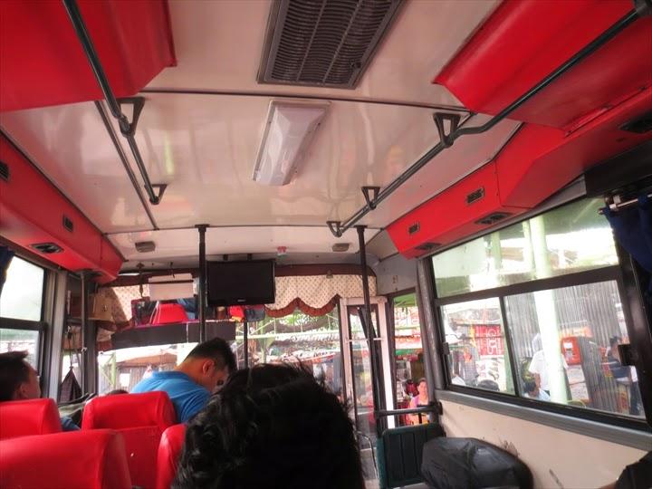 エアポートループバスの車内の様子
