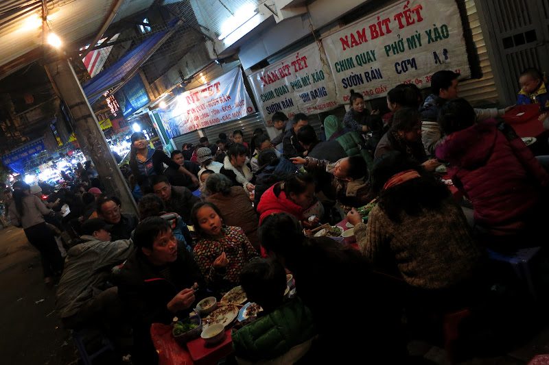 Packed sidewalk restaurant