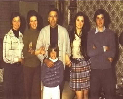 don Emilio Aragón, su esposa doña Rita Irasema y sus hijos en los años '70 (foto familiar)
