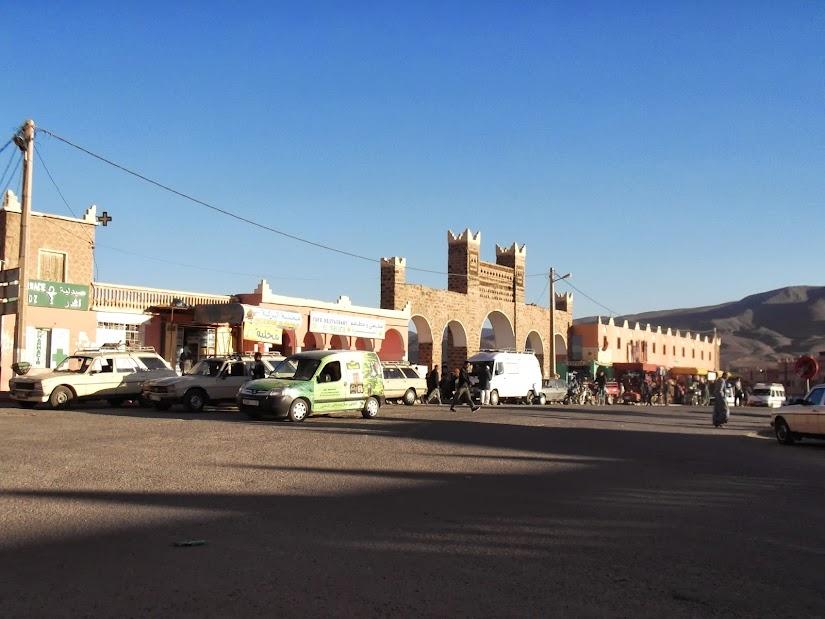 Marrocos e Mauritãnia a Queimar Pneu e Gasolina - Página 12 DSCF1384