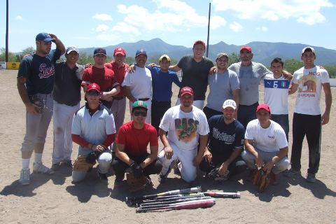 Equipo Ponchados del softbol del Club Sertoma