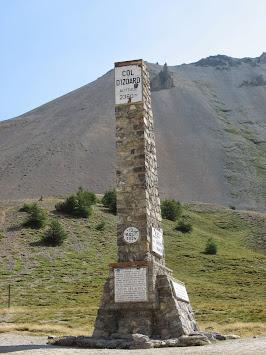 Monument au sommet