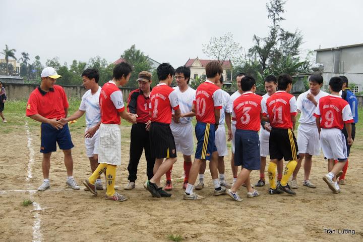 NGÀY KHAI MẠC BÓNG ĐÁ NAM SVCG VINH 2013