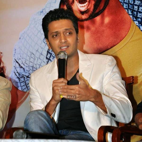 Riteish Deshmukh speaks during the success meet of Marathi movie Lai Bhaari, held at Orchid, on July 14, 2014.(Pic: Viral Bhayani)