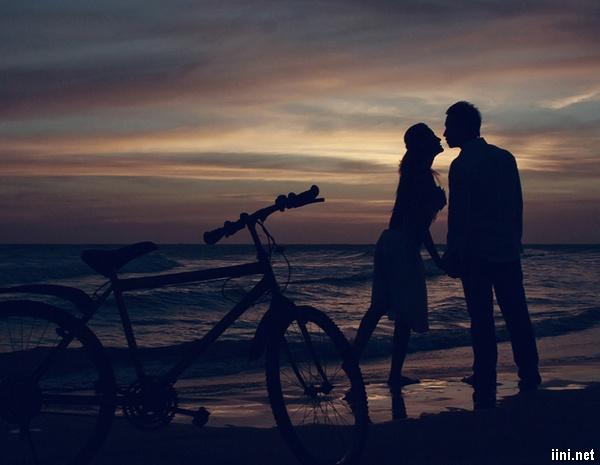 thơ tình biển đêm lãng mạn