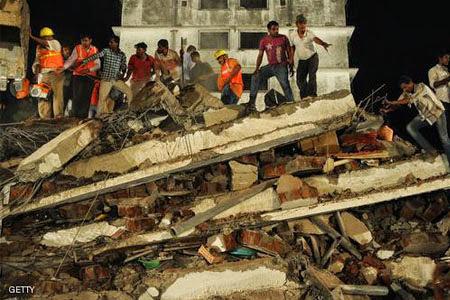 20 Orang Tertimbun Bangunan Runtuh Di India