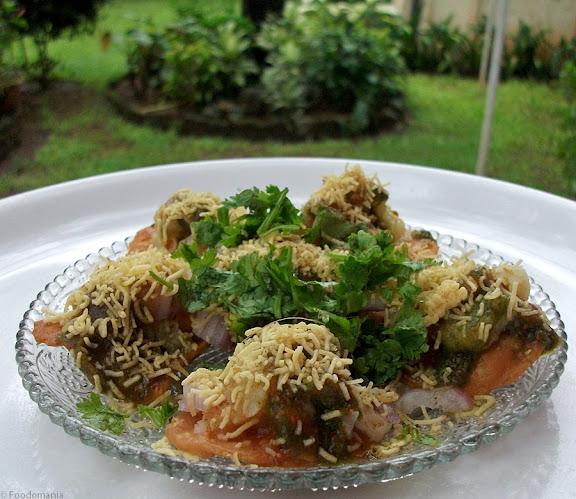 Sev Puri Recipe (Sev Poori)