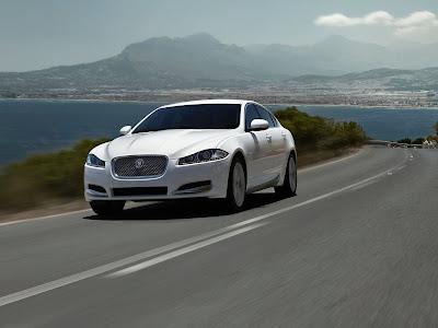Jaguar-XF_2012_1600x1200_Front_Angle_02