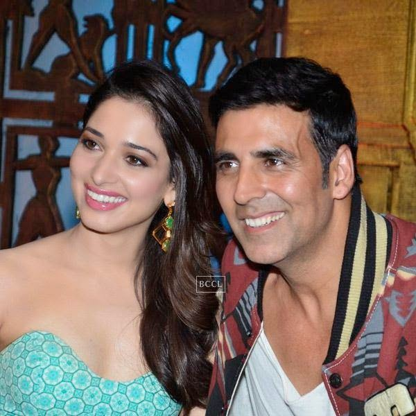 Tamannaah Bhatia and Akshay Kumar on the sets of Entertainment Ke Liye Kuch Bhi Karega. (Pic: Viral Bhayani)