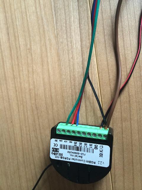 Connexion%25202 A relire : Meuble Ikea + RGBW + Led