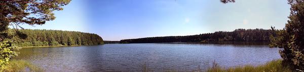 Kamienne Kręgi Gotów w Węsiorach - panorama Jeziora Długiego