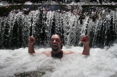 Джакузи в водопаде