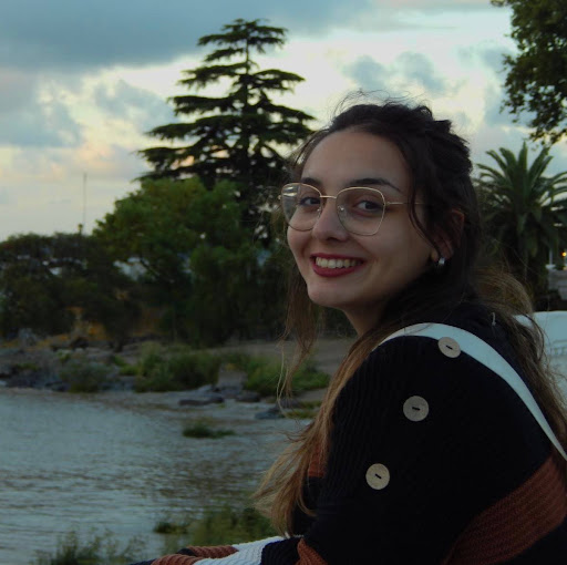 Yasmine Fernández
