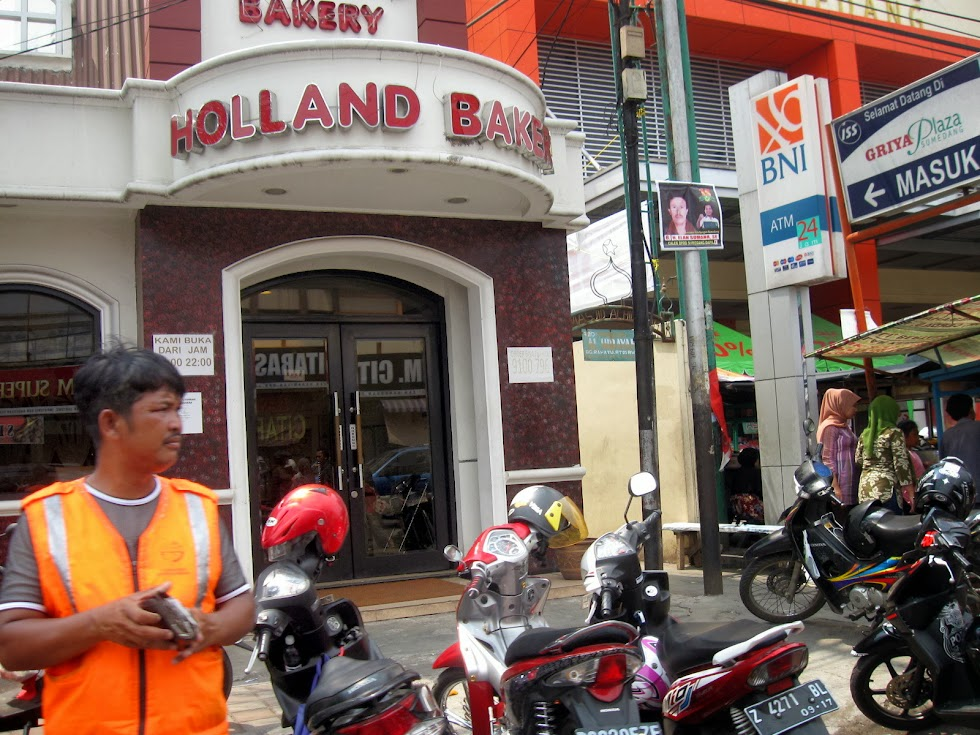 Holland Bakery Griya Plaza Sumedang Indonesia