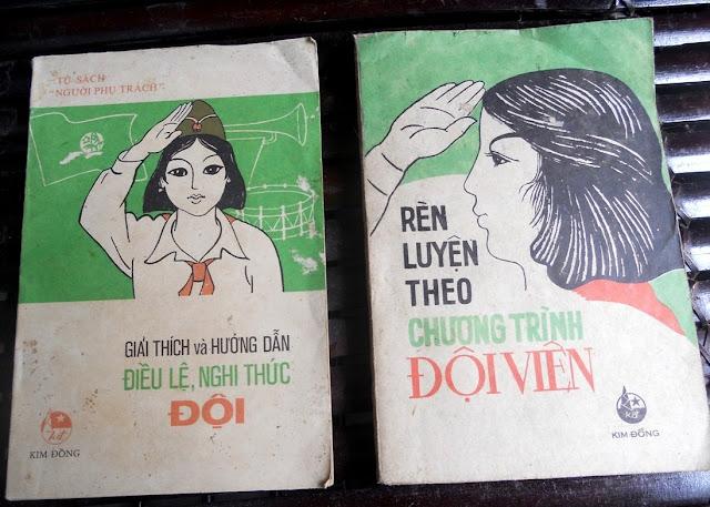 Sách giáo khoa tiểu học cũ - nơi lưu giữ từng trang ký ức DSCN2788
