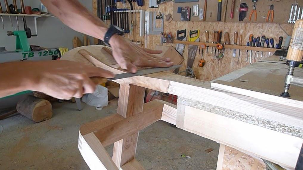 Chaise design pour petit garçon P1060965-001