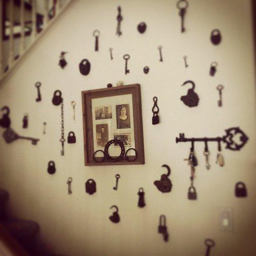Một bức tường treo chìa khóa đầy nghệ thuật