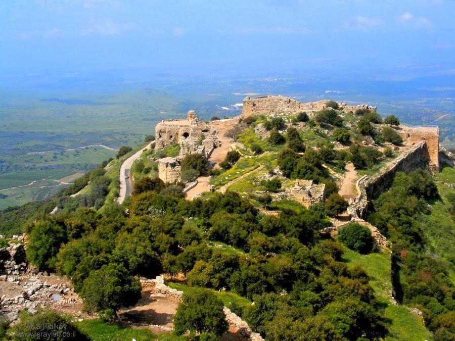 Общий вид крепости Нимрод. Экскурсия в Голаны. Гид Светлана Фиалкова.