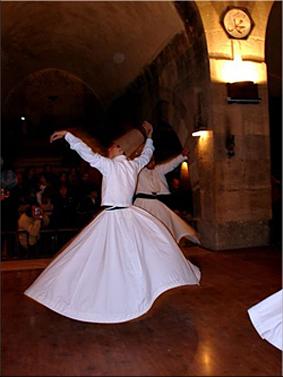 Derviches danzando