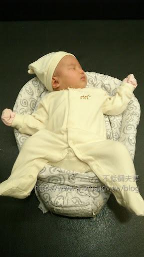 【嬰兒有機棉衣服】SISSO有機棉禮盒開箱,100%台灣製造~寶寶舒服必買好物