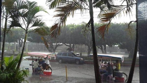Lluvia se hace presente en occidente del país