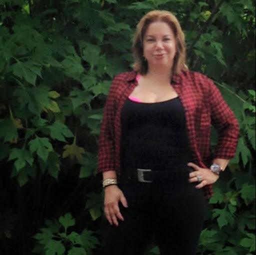 Gladys Ortiz Photo 37