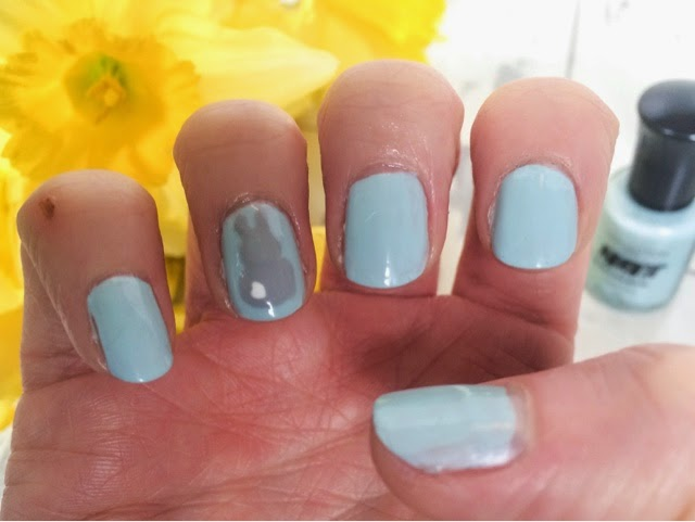 easter-bunny-nail-art-manicure-beauty-pastel-nails