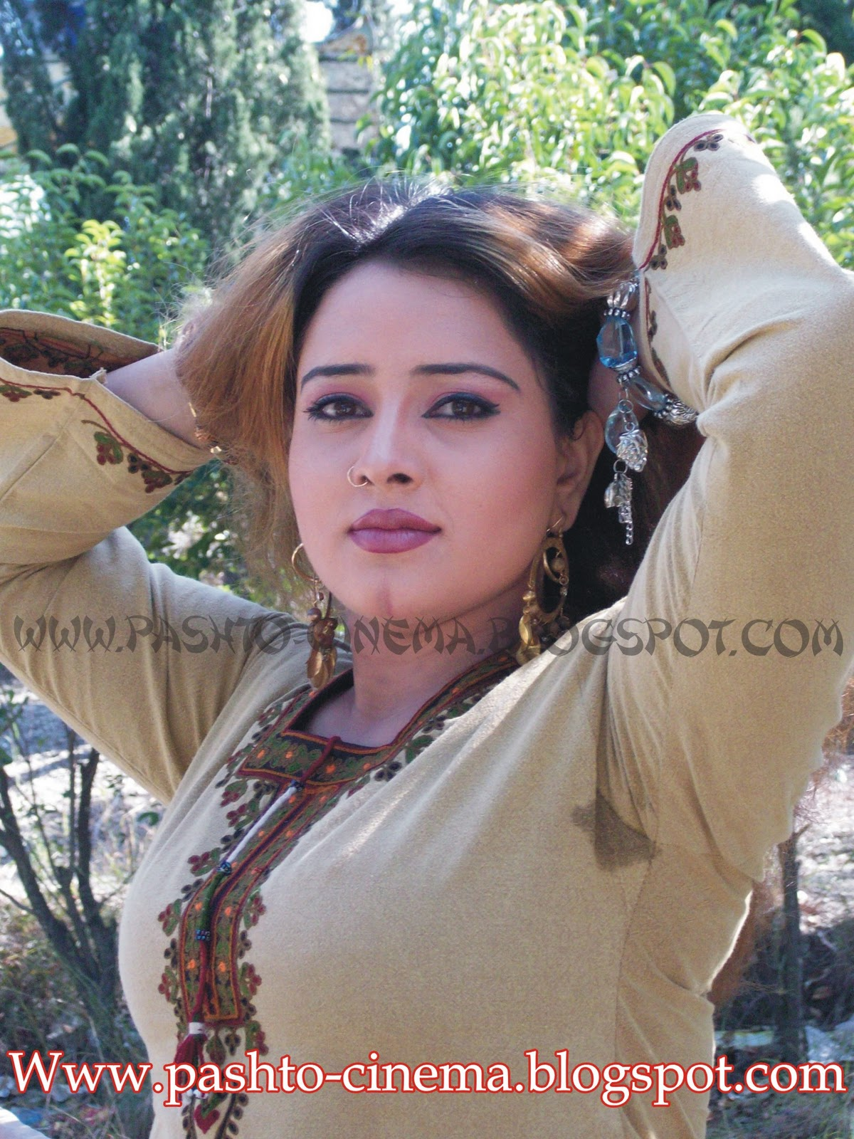 Hot Dancer, Model and CDs Darama (Telifilm) Actress Nadia Gul Photos