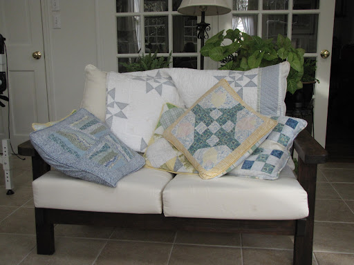 Perfect sunroom pillows