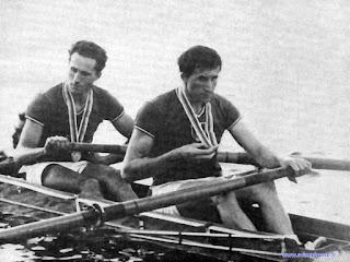 JO 1964 - HS2+ - Médaille d'argent - Jacques MOREL, Georges MOREL, le barreur Jean-Claude DAROUY
