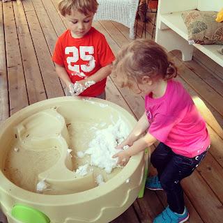 Phát triển động tác vận động cho trẻ từ 1 - 2 tuổi