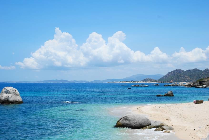Bài thơ viết về biển Sầm Sơn