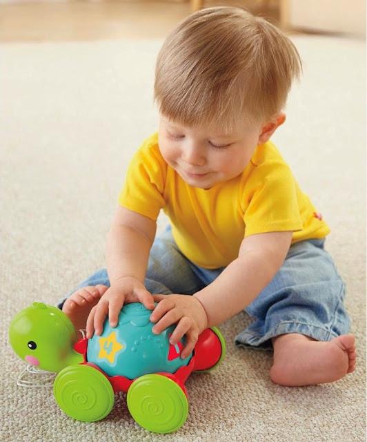Đồ chơi Xe kéo Rùa con Pull-Along Turtle Fisher Price giúp bé nhà bạn phát triển toàn diện