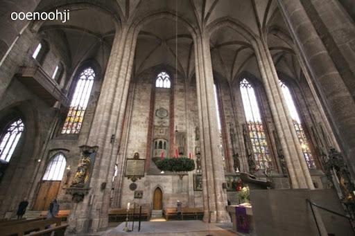 聖ローレンツ教会の中