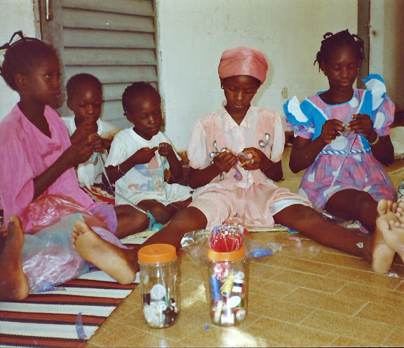 girls crocheting, Mali