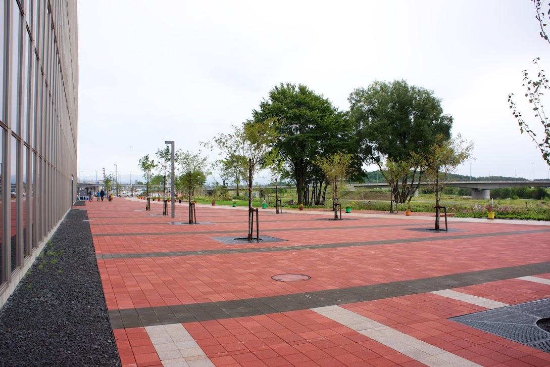 駅の南側広場