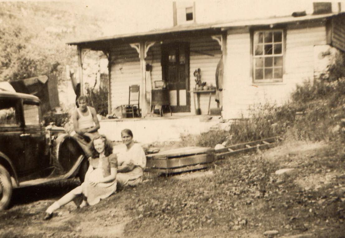 fieldon women Based solely on longevity, jesse james was one of america's most successful bank robbers.