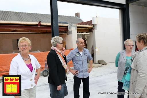 gemeenschapshuis  heeft zijn hoogste punt bereikt overloon 03-05-2013 (18).JPG