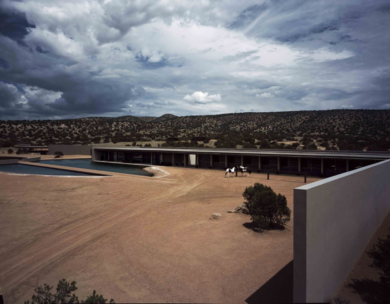 06-Tom-Ford's-Ranch-by-Tadao-Ando