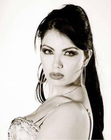 Persian Model Layla Atefi black and white