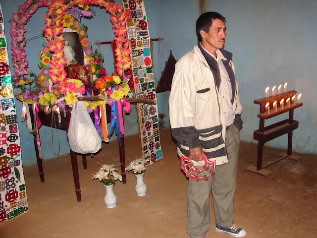 Don Faustino dando su testimonio