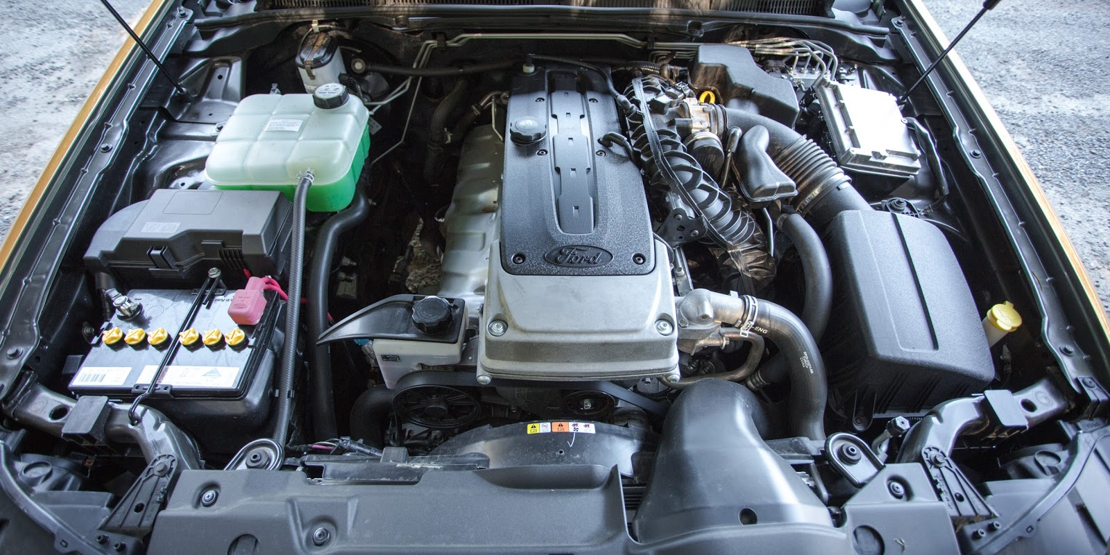 Xe sở hữu khối động cơ cực mạnh cũng như vô cùng ngốn xăng