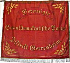 Banner: »Vereinigte Sozialdemokratische Partei Distrikt Gerresheim«.