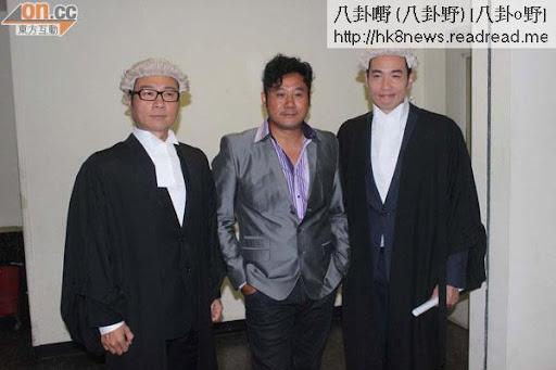 陳豪(右起)、麥表青和黎耀祥一同拍攝節目巡禮劇集《傳愛事務所》宣傳片。