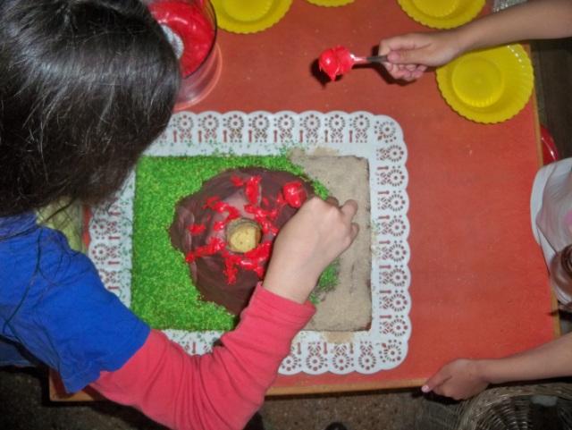 Decorating Volcano cake