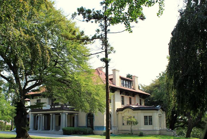 Howard Ave. Casa Belvedere