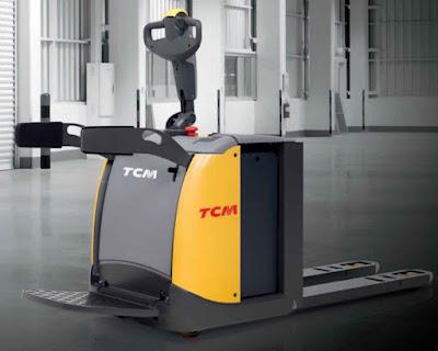 Xe nâng con cóc TCM pallet mover Nhật Bản