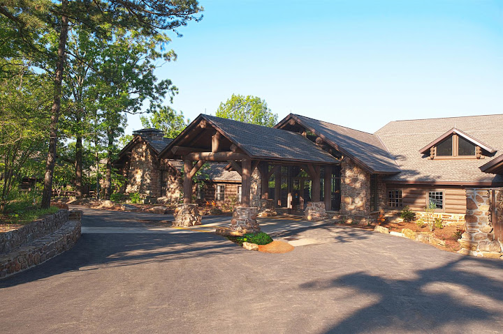 Mather Lodge - Petit Jean State Park - image courtesy: http://www.petitjeanstatepark.com/accommodations/mather_lodge.aspx