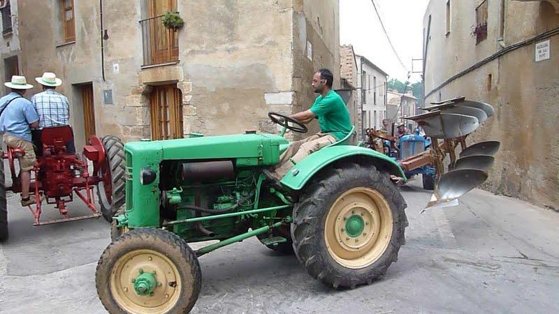 Photographiez des tracteurs ! P1050600-001